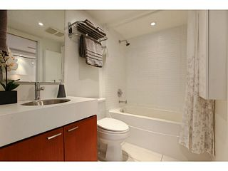 "Photo 10: 608 328 E 11TH Avenue in Vancouver: Mount Pleasant VE Condo for sale in ""UNO"" (Vancouver East)  : MLS®# V1122789"