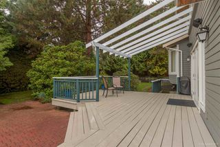 """Photo 18: 3221 INGLESIDE Court in Burnaby: Government Road House for sale in """"GOVERNMENT ROAD AREA"""" (Burnaby North)  : MLS®# R2002182"""