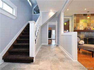 Photo 2: 3111 Washington Ave in VICTORIA: Vi Burnside House for sale (Victoria)  : MLS®# 719156