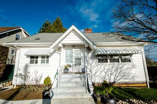 Photo 1: 327 ARBUTUS Street in New Westminster: Queens Park House for sale : MLS®# R2030335