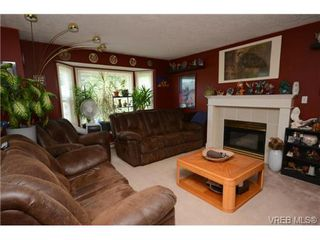 Photo 7: 735 Kelly Road in VICTORIA: Co Hatley Park Single Family Detached for sale (Colwood)  : MLS®# 366756