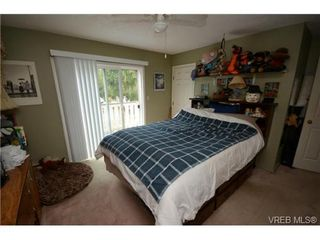 Photo 12: 735 Kelly Road in VICTORIA: Co Hatley Park Single Family Detached for sale (Colwood)  : MLS®# 366756