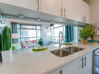 Photo 1: 602 438 SEYMOUR Street in Vancouver: Downtown VW Condo for sale (Vancouver West)  : MLS®# R2092388