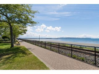 Photo 17: 952 PARKER Street: White Rock House for sale (South Surrey White Rock)  : MLS®# R2114907
