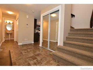 Photo 2: 5325 DEVINE Drive in Regina: Lakeridge Addition Single Family Dwelling for sale (Regina Area 01)  : MLS®# 598205