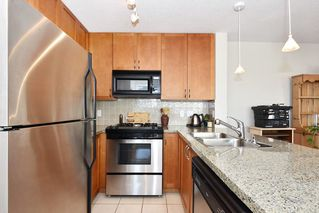 "Photo 7: 901 1316 W 11TH Avenue in Vancouver: Fairview VW Condo for sale in ""The Compton"" (Vancouver West)  : MLS®# R2138686"