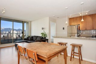 "Photo 3: 901 1316 W 11TH Avenue in Vancouver: Fairview VW Condo for sale in ""The Compton"" (Vancouver West)  : MLS®# R2138686"