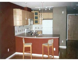 """Photo 2: 215 3122 ST JOHNS Street in Port Moody: Port Moody Centre Condo for sale in """"Sonrisa"""" : MLS®# R2146723"""