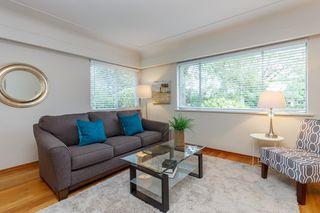 Photo 4: 1364 Finlayson St in VICTORIA: Vi Mayfair House for sale (Victoria)  : MLS®# 759051