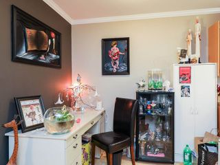 Photo 3: 113 211 W 3RD STREET in North Vancouver: Lower Lonsdale Condo for sale : MLS®# R2165777