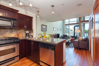 "Photo 4: 208 10 RENAISSANCE Square in New Westminster: Quay Condo for sale in ""MURANO LOFTS"" : MLS®# R2189938"