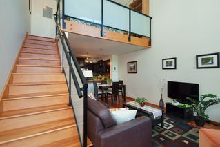 "Photo 10: 208 10 RENAISSANCE Square in New Westminster: Quay Condo for sale in ""MURANO LOFTS"" : MLS®# R2189938"