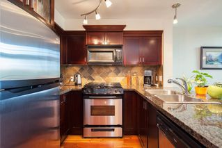 "Photo 3: 208 10 RENAISSANCE Square in New Westminster: Quay Condo for sale in ""MURANO LOFTS"" : MLS®# R2189938"