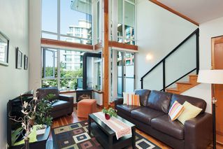 "Photo 8: 208 10 RENAISSANCE Square in New Westminster: Quay Condo for sale in ""MURANO LOFTS"" : MLS®# R2189938"