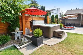 Photo 19: 15489 OXENHAM AVENUE: White Rock House for sale (South Surrey White Rock)  : MLS®# R2196040