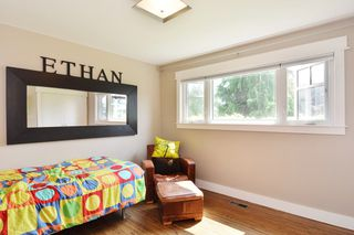 Photo 10: 15489 OXENHAM AVENUE: White Rock House for sale (South Surrey White Rock)  : MLS®# R2196040