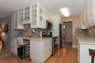 "Photo 10: 203 1429 MERKLIN Street: White Rock Condo for sale in ""Kensington Manor"" (South Surrey White Rock)  : MLS®# R2203137"