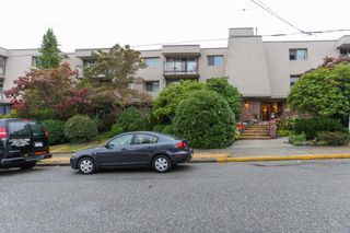 "Photo 1: 203 1429 MERKLIN Street: White Rock Condo for sale in ""Kensington Manor"" (South Surrey White Rock)  : MLS®# R2203137"