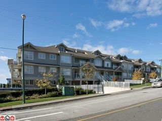 Photo 1: 101 15621 MARINE DRIVE: White Rock Condo for sale (South Surrey White Rock)  : MLS®# R2214174