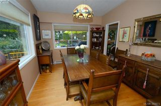 Photo 11: 3954 Grandis Pl in VICTORIA: SE Queenswood Single Family Detached for sale (Saanich East)  : MLS®# 774974