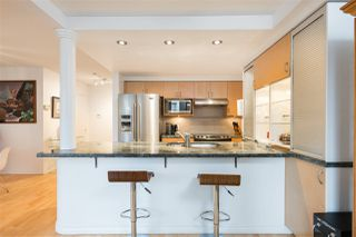 Photo 2: TH103 1288 MARINASIDE CRESCENT in Vancouver: Yaletown Townhouse for sale (Vancouver West)  : MLS®# R2229944