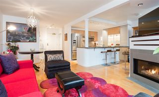 Photo 4: TH103 1288 MARINASIDE CRESCENT in Vancouver: Yaletown Townhouse for sale (Vancouver West)  : MLS®# R2229944