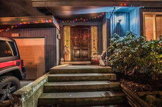 Photo 3: 7113 NICHOLSON Road in Delta: Sunshine Hills Woods House for sale (N. Delta)  : MLS®# R2232076