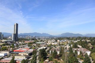 """Photo 1: 1709 13750 100 Avenue in Surrey: Whalley Condo for sale in """"PARK AVENUE"""" (North Surrey)  : MLS®# R2266125"""