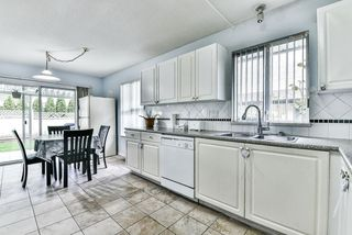 """Photo 15: 31 7330 122 Street in Surrey: West Newton Townhouse for sale in """"STRAWBERRY HILL ESTATES"""" : MLS®# R2267551"""