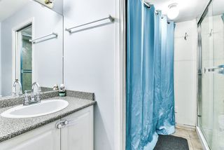 """Photo 19: 31 7330 122 Street in Surrey: West Newton Townhouse for sale in """"STRAWBERRY HILL ESTATES"""" : MLS®# R2267551"""