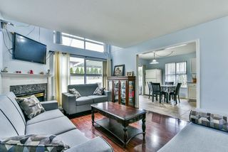 """Photo 6: 31 7330 122 Street in Surrey: West Newton Townhouse for sale in """"STRAWBERRY HILL ESTATES"""" : MLS®# R2267551"""