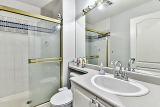 "Photo 12: 31 7330 122 Street in Surrey: West Newton Townhouse for sale in ""STRAWBERRY HILL ESTATES"" : MLS®# R2267551"