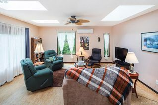 Photo 2: 1019 Parkway Dr in BRENTWOOD BAY: CS Brentwood Bay House for sale (Central Saanich)  : MLS®# 787211