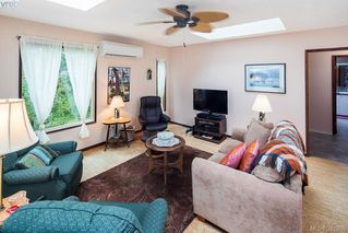 Photo 3: 1019 Parkway Dr in BRENTWOOD BAY: CS Brentwood Bay Single Family Detached for sale (Central Saanich)  : MLS®# 787211