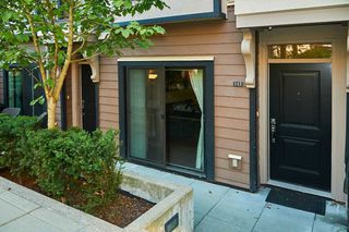 """Photo 4: 112 828 ROYAL Avenue in New Westminster: Downtown NW Townhouse for sale in """"Brickstone Walk"""" : MLS®# R2293175"""