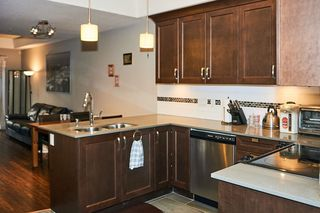 """Photo 11: 112 828 ROYAL Avenue in New Westminster: Downtown NW Townhouse for sale in """"Brickstone Walk"""" : MLS®# R2293175"""