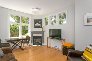 "Photo 4: 103 2588 ALDER Street in Vancouver: Fairview VW Condo for sale in ""BOLLERT PLACE"" (Vancouver West)  : MLS®# R2304229"