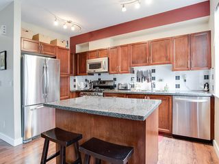 """Photo 5: 24 19932 70 Avenue in Langley: Willoughby Heights Townhouse for sale in """"SUMMERWOOD"""" : MLS®# R2308765"""