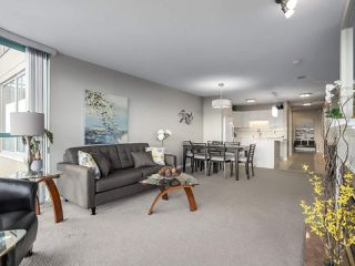 "Photo 2: 1205 612 SIXTH Street in New Westminster: Uptown NW Condo for sale in ""THE WOODWARD"" : MLS®# R2331401"
