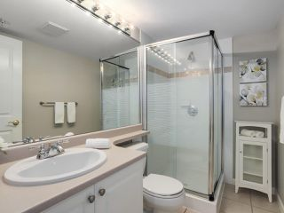 "Photo 12: 1205 612 SIXTH Street in New Westminster: Uptown NW Condo for sale in ""THE WOODWARD"" : MLS®# R2331401"