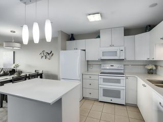 """Photo 7: 1205 612 SIXTH Street in New Westminster: Uptown NW Condo for sale in """"THE WOODWARD"""" : MLS®# R2331401"""