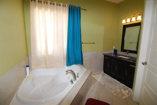 Photo 10: 9818 154 Street in Edmonton: Zone 22 House for sale : MLS®# E4148190