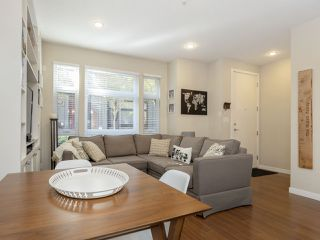 """Photo 3: 2709 GUELPH Street in Vancouver: Mount Pleasant VE Townhouse for sale in """"THE BLOCK"""" (Vancouver East)  : MLS®# R2357559"""
