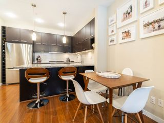 """Photo 6: 2709 GUELPH Street in Vancouver: Mount Pleasant VE Townhouse for sale in """"THE BLOCK"""" (Vancouver East)  : MLS®# R2357559"""
