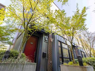"""Photo 19: 2709 GUELPH Street in Vancouver: Mount Pleasant VE Townhouse for sale in """"THE BLOCK"""" (Vancouver East)  : MLS®# R2357559"""