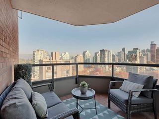 "Photo 17: 1101 1860 ROBSON Street in Vancouver: West End VW Condo for sale in ""Stanley Park Place"" (Vancouver West)  : MLS®# R2363847"
