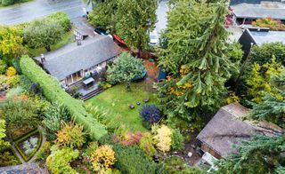 Photo 1: 931 22ND Street in West Vancouver: Dundarave House for sale : MLS®# R2365918