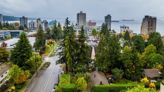 Photo 3: 931 22ND Street in West Vancouver: Dundarave House for sale : MLS®# R2365918