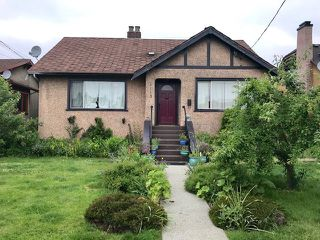 "Photo 1: 1113 LONDON Street in New Westminster: Moody Park House for sale in ""Moody Park"" : MLS®# R2374211"