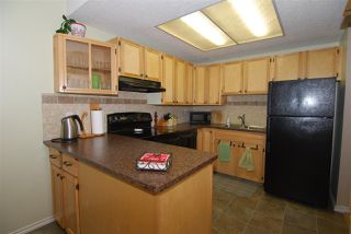 Photo 7: 220 CHATEAU Place in Edmonton: Zone 20 Townhouse for sale : MLS®# E4159287